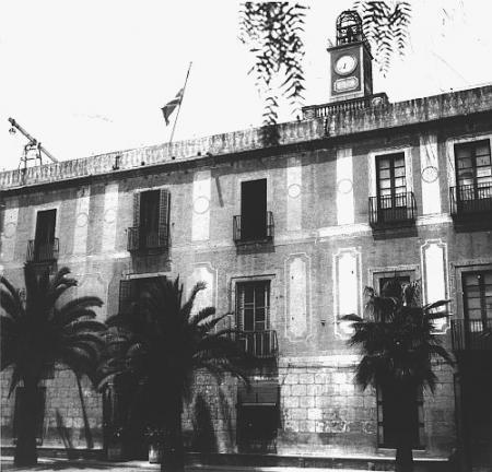 Vista de l'antigua masia usada com a presó. 1950.