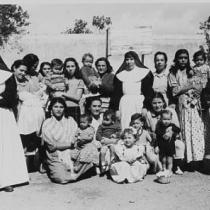 Reclusas de la prisión de mujeres reciben la visita de sus hijos con ocasión de la la festividad de la Merced.