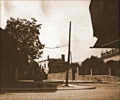 Vista de l'entrada de la presó de Les Corts, carrer Joaquim Molins, 11. Arxiu Històric de Les Corts (AHLC).